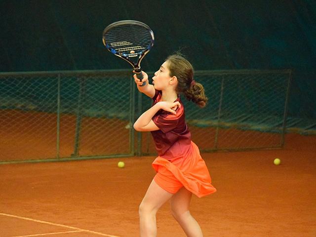 https://oxigeno.bold-themes.com/tennis/wp-content/uploads/sites/4/2017/10/inner_classes_02.jpg